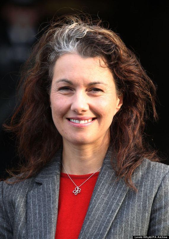 Sarah Champion (politician) ihuffpostcomgen2585368thumbsoSARAHCHAMPION
