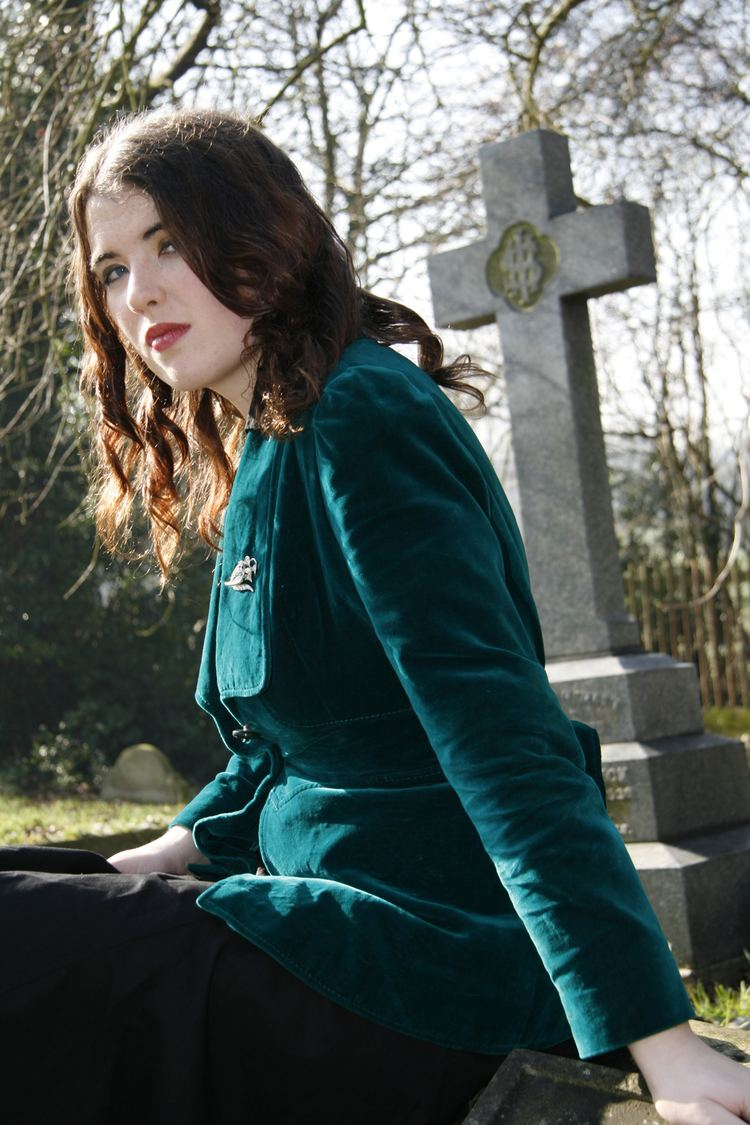 Sarah Rees Brennan Rich in Color Interview with Sarah Rees Brennan