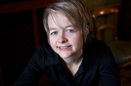 Sarah Waters Sarah Waters on quotLittle Strangerquot Identity and Lesbian