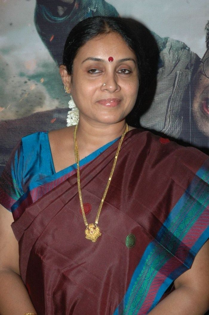 Saranya Ponvannan Saranya Ponvannan Pictures Photos Wallpapers