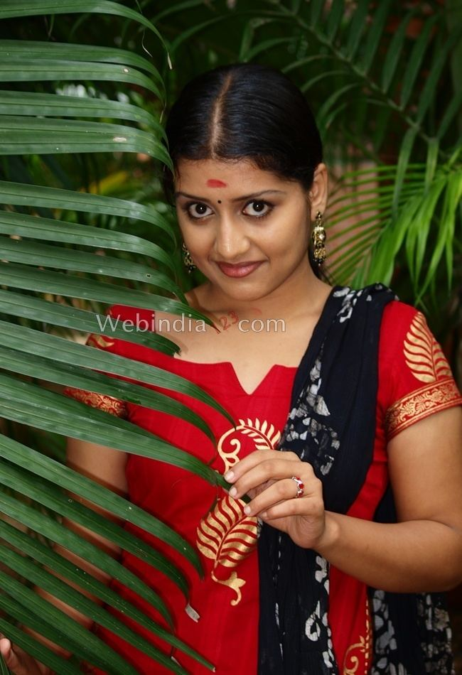 Sarayu (actress) Sarayu Photos Photos Sarayu Photo Gallery Sarayu