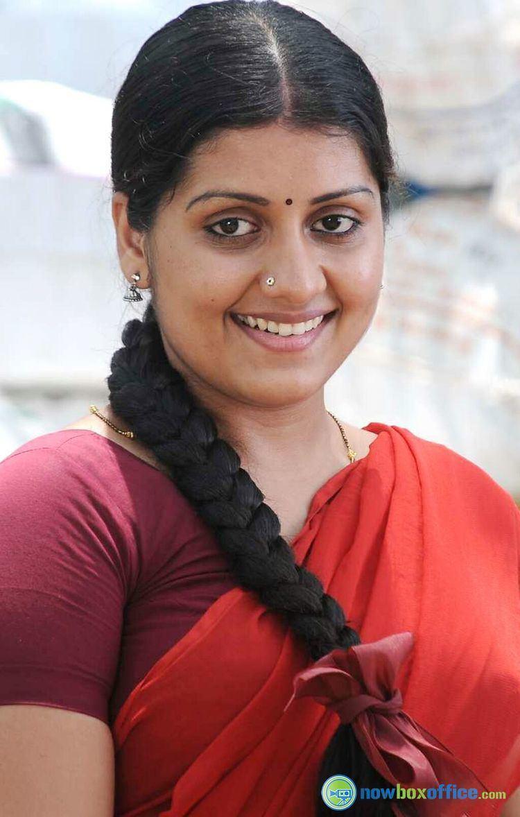 Sarayu (actress) Sarayu in Thekulikum Pachai Maram nowboxofficecom