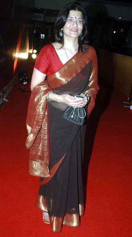 Sarika Sarika I would love to watch Vishwaroopam Rediffcom Movies