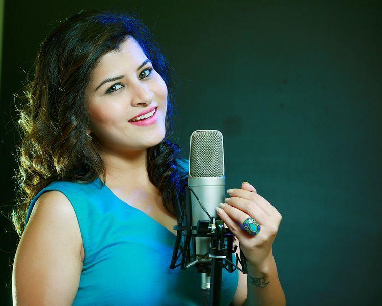 Savani Ravindra Her Info