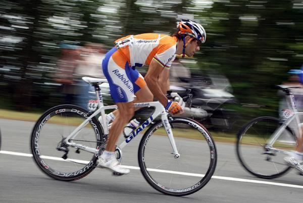 Oscar Freire Freire Dean shot at during Tour stage Cyclingnewscom