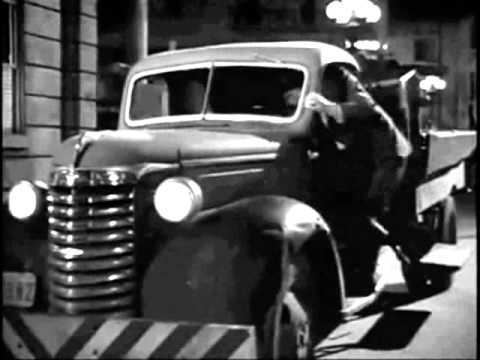 Scene of the Crime (1949 film) Scene of the Crime Film Noir Clip 2 the Shoot Out 1949 YouTube