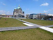 Schloßplatz (Berlin) httpsuploadwikimediaorgwikipediacommonsthu
