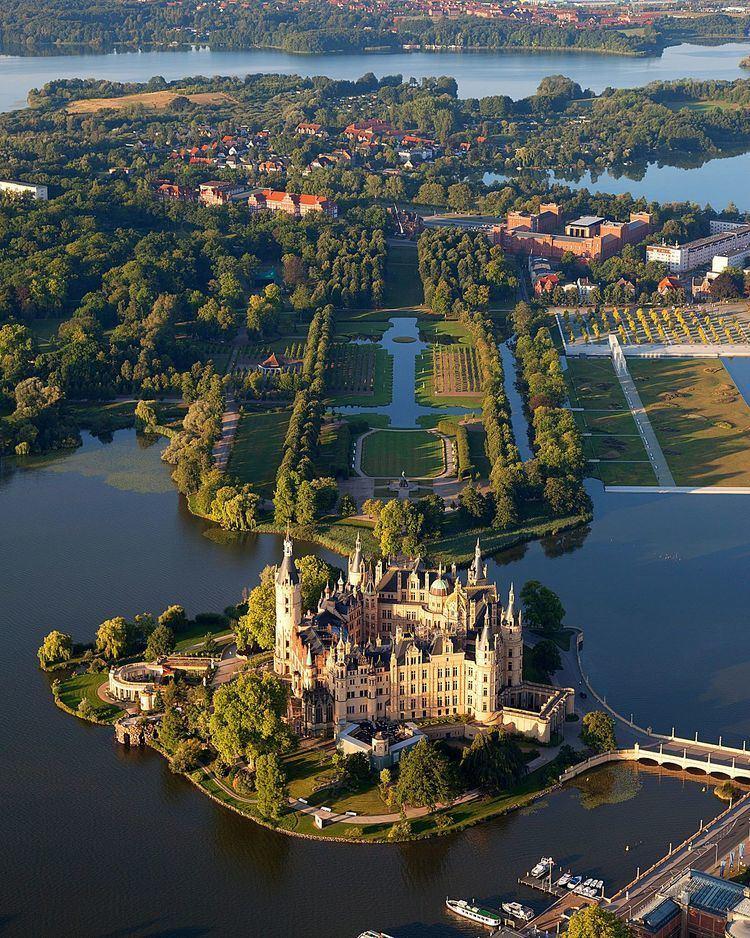 Schwerin httpsuploadwikimediaorgwikipediacommonsthu
