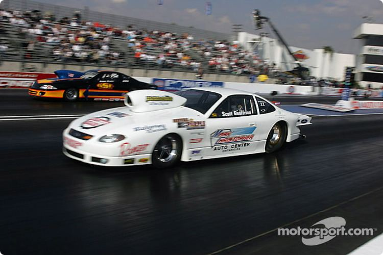 Scott Geoffrion Scott Geoffrion vs Gordie Rivera at Pomona II NHRA Photos