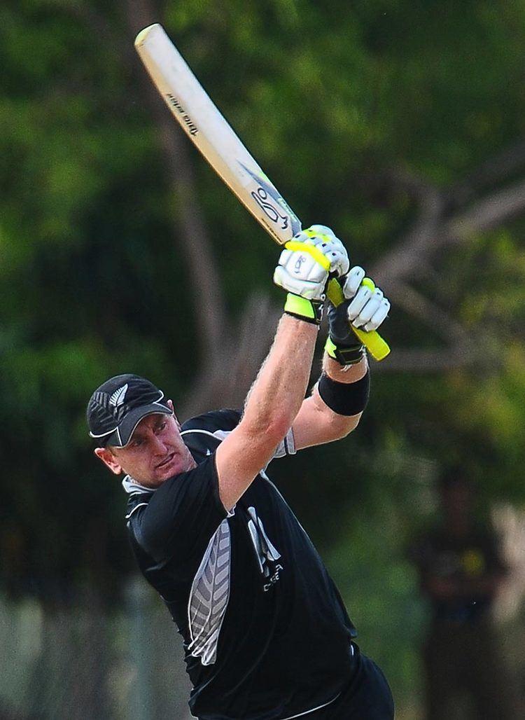 Scott Styris (Cricketer) playing cricket