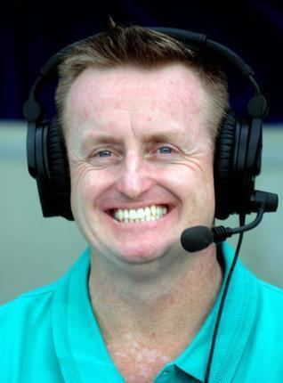 This Is How Cricketer Kedar Jadhav Made Commentator Scott Styris Eat
