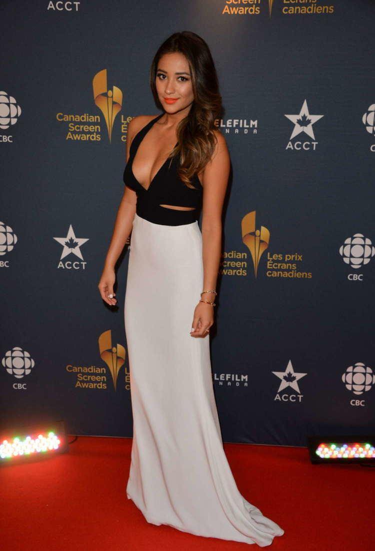 Screen Awards Shay Mitchell 2014 Canadian Screen Awards 06 GotCeleb