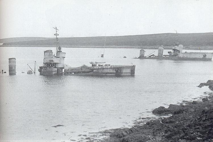 Scuttling of the German fleet in Scapa Flow Salvaging German Fleet at Scapa Flow