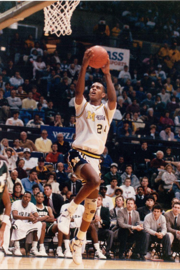 Sean Higgins (basketball) Sean Higgins Round 2 Pick 54 San Antonio Spurs 1990 NBA Draft