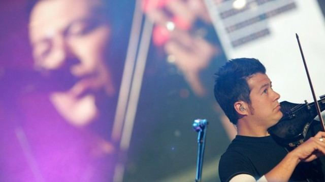 Sean Mackin (musician) Yellowcard Violinist Recovering From Thyroid Cancer Music Feeds