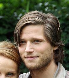 Sebastian Ströbel httpsuploadwikimediaorgwikipediacommonsthu