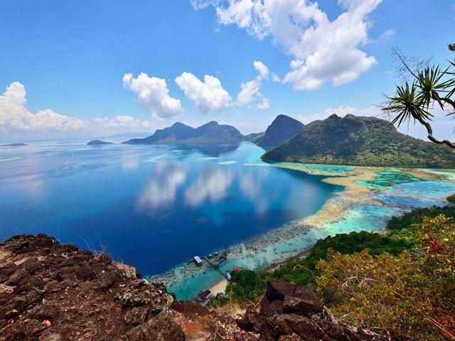 Semporna Travel bucket list Island hopping in Semporna Sabah Buro 247