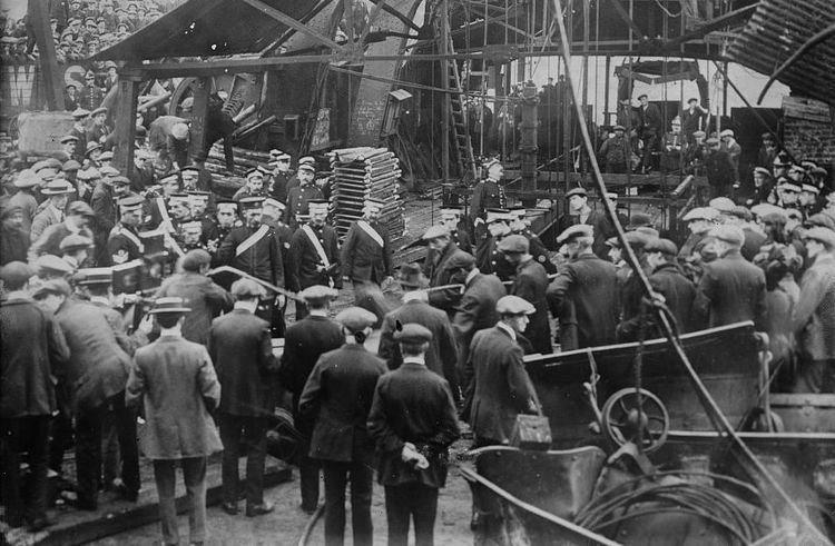 Senghenydd colliery disaster FileSenghenydd Colliery Disasterjpg Wikimedia Commons