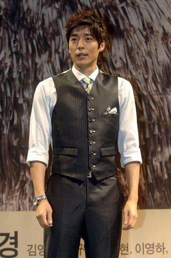 Seo Ji-seok Seo Jiseok gets married in May HanCinema The Korean
