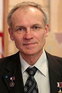 Sergei Avdeyev httpsuploadwikimediaorgwikipediacommonsthu