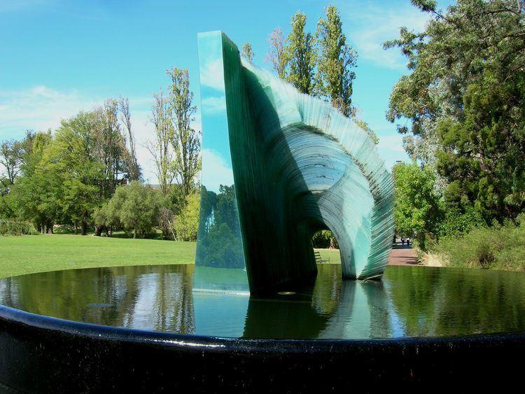 Sergio Redegalli FileFlickr brewbooks Cascade glass sculpture by