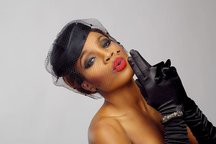 Seyi Shay Seyi Shay goes by the name of Deborah Oluwaseyi Joshua and she is a