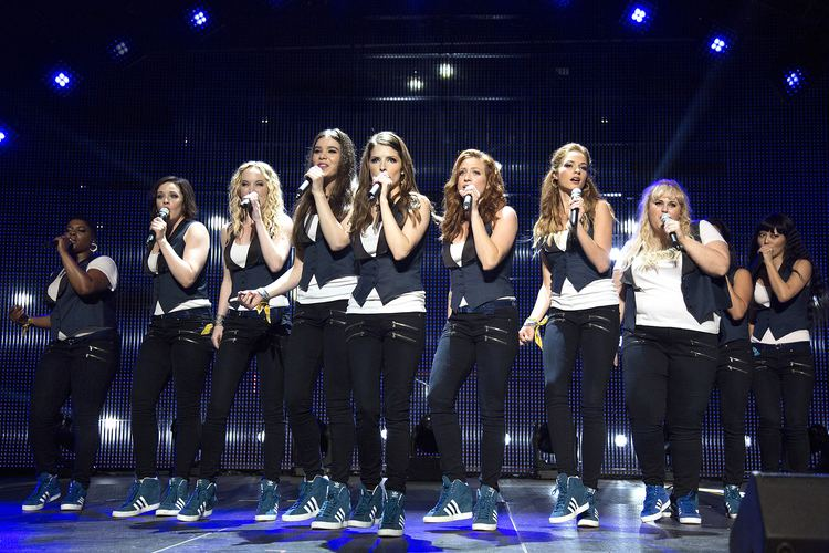 Shaapa movie scenes The Barden Bellas perform in a scene from Pitch Perfect 2