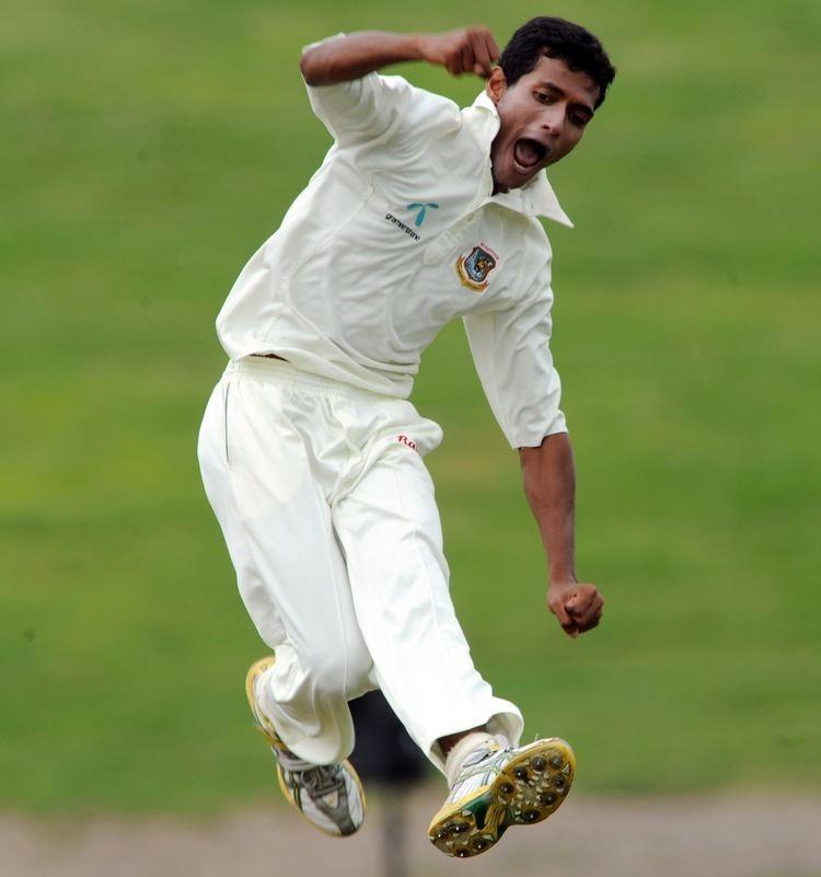 Shafiul Islam (Cricketer) playing cricket