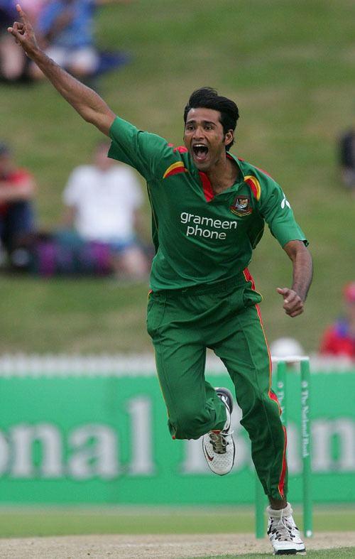 Shahadat Hossain (Cricketer) in the past