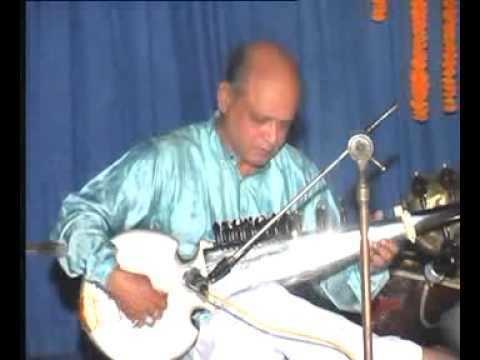 Shahadat Hossain Khan Ustad Shahadat Hossain Khan on Sarod Zakir Hosen on Tabla YouTube