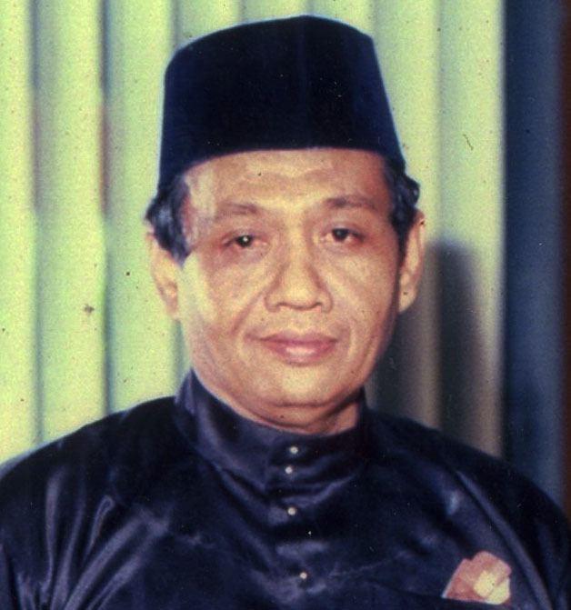 Shahnon Ahmad Shahnon Ahmad Sasterawan Negara Ke2 1982 Klik Web DBP