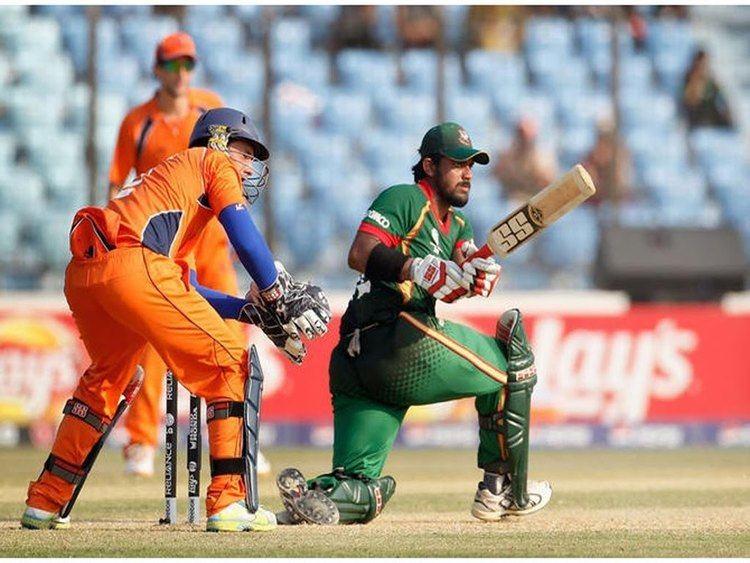 Shahriar Nafees (Cricketer) playing cricket