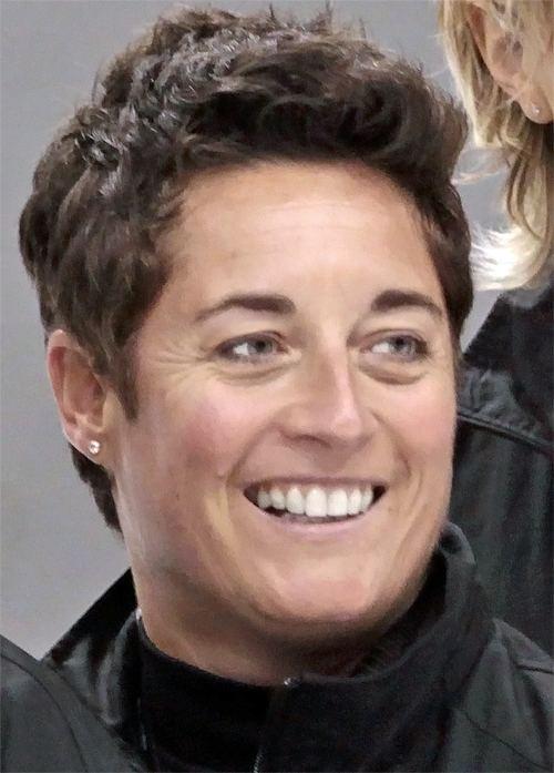 Shannon Miller (ice hockey) httpsuploadwikimediaorgwikipediacommons99