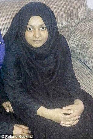 Sharmeena Begum idailymailcoukipix20150313268B10640000057