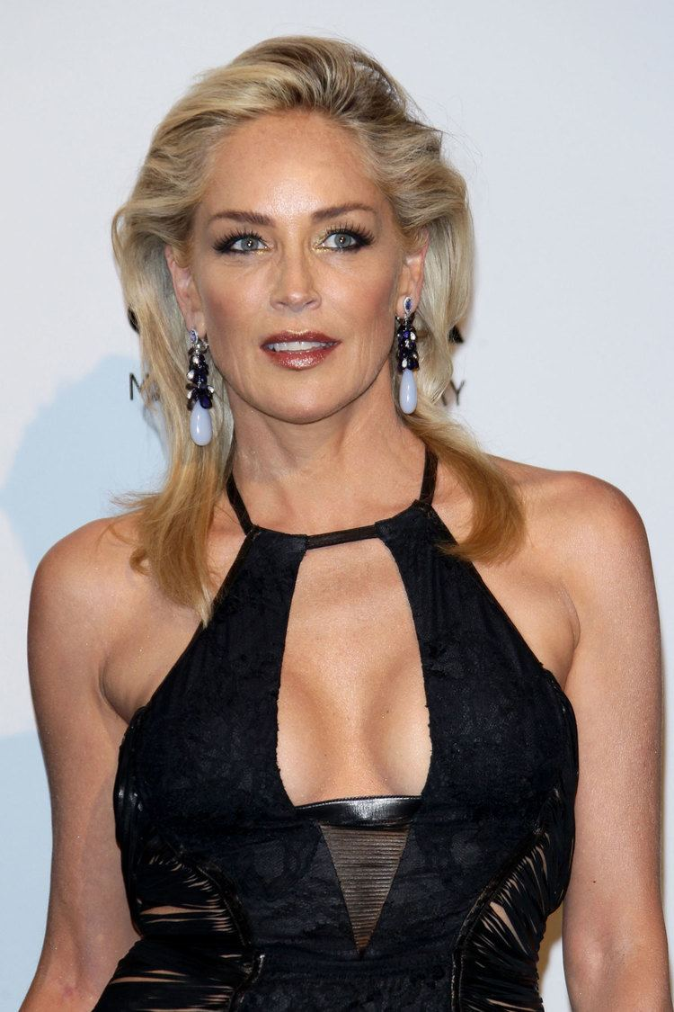 Sharon Stone Sharon Stone Pot Smoker of the Month Clear Test
