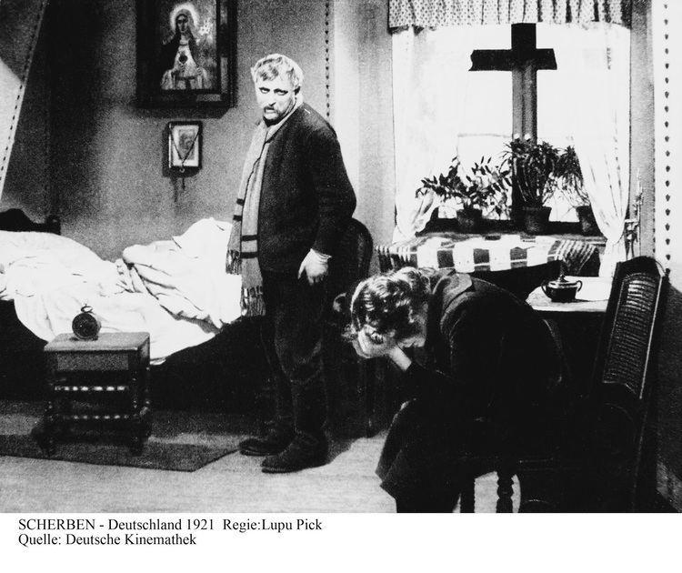 Shattered (1921 film) 4bpblogspotcom2r58ePxvZd8UnE5v1DoJ4IAAAAAAA