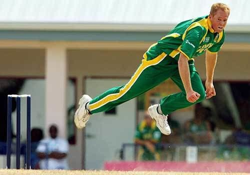 Shaun Pollock (Cricketer) playing cricket