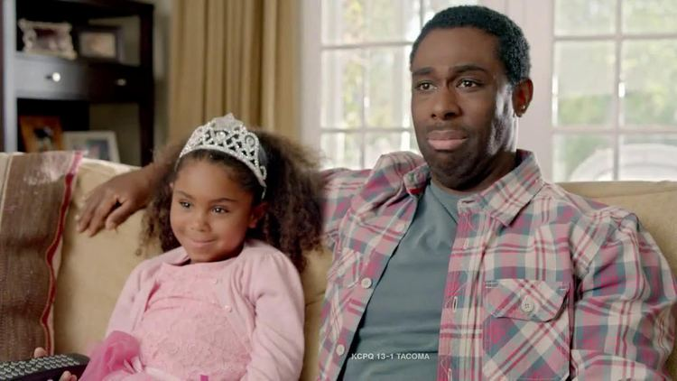 Shawn Harrison (actor) Verizon NFL Mobile TV Commercial Princess Show Featuring Drew