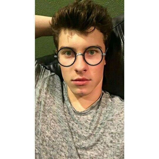 Shawn Mendes 1523 best Shawn Peter Raul Mendes images on Pinterest Army