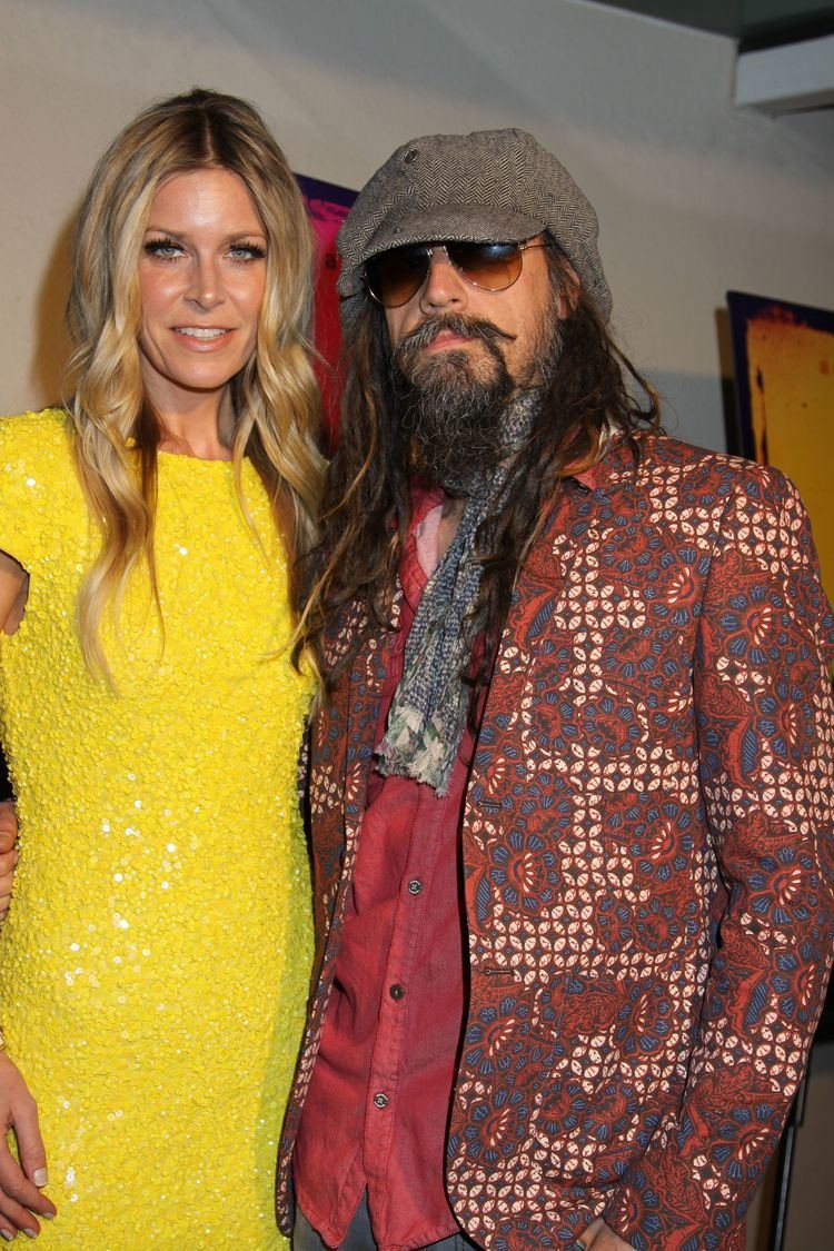 Sheri Moon Zombie Sheri Moon Zombie impressed by horror fans who dress up as