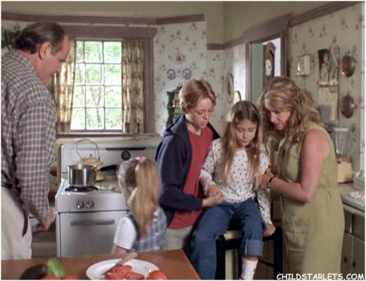 Shiloh 2: Shiloh Season Picture of Caitlin Wachs in Shiloh 2 Shiloh Season