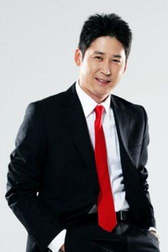 Shin Dong-yup (comedian) Lee Sang Woo and Shin Dong Yup39s Kissing Scene
