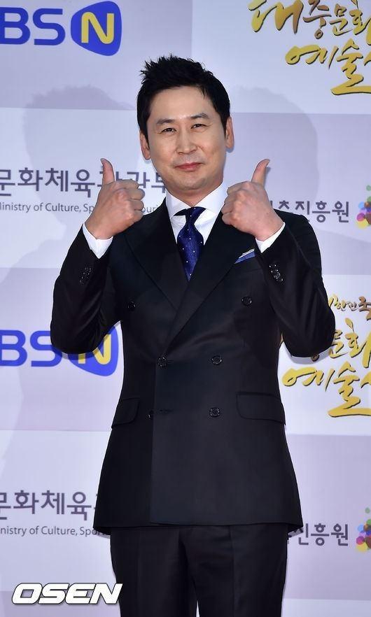 Shin Dong-yup (comedian) Shin Dongyup to host 39KBS Entertainment Awards39 KpopBuddycom
