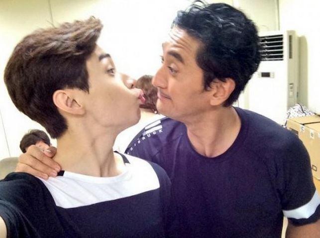 Shin Hyun-joon (actor) Actor Shin Hyun Joon and Henry Show Their Brotherly
