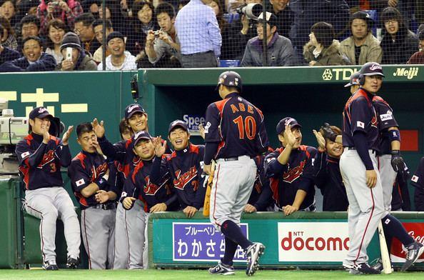 Shinnosuke Abe Shinnosuke Abe Photos Japan v Yomiuri Giants Zimbio