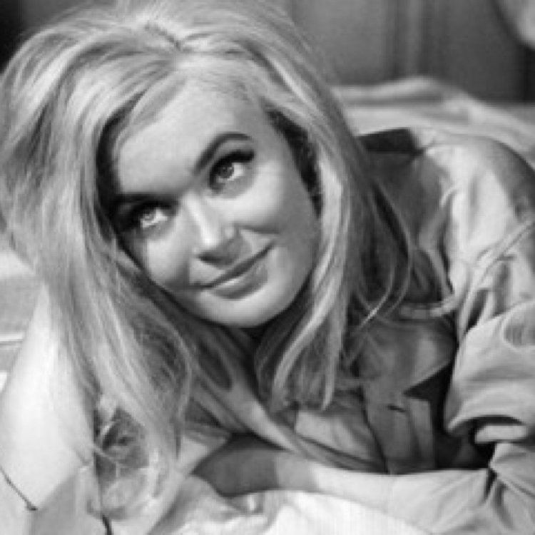 Shirley Eaton Shirley Eaton GoldenBondGirl Twitter