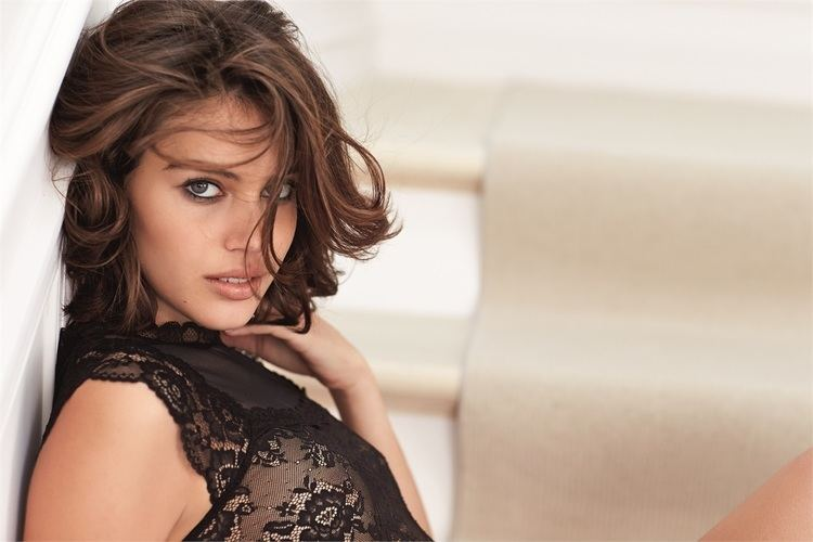 Shlomit Malka Shlomit Malka per Intimissimi Vogueit