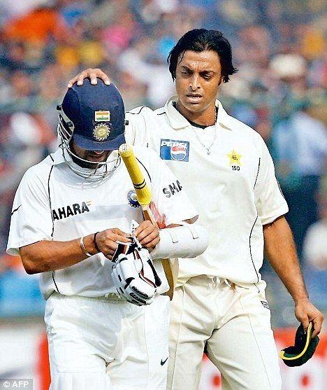 Shoaib Akhtar (Cricketer) playing cricket