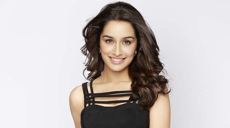 Shraddha Kapoor Shraddha Kapoor cancels her trip with friends for work