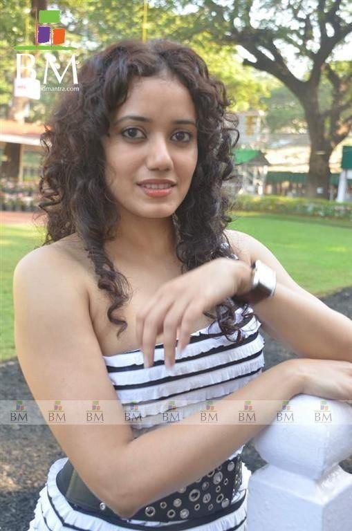 Shreya Narayan Shreya Narayan Shreya Narayan Photo 1